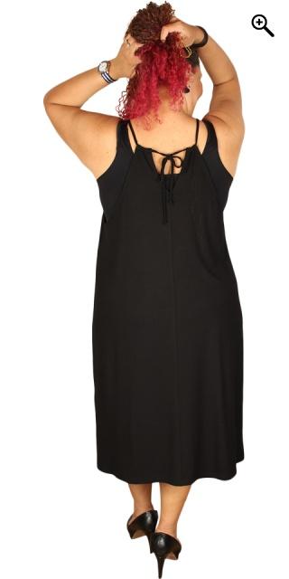 210e5371d56d Que - Strop kjole med slidser i begge sider