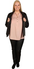 Zhenzi - Light and stylish shirt blouse with 3/4 sleeves and. Nice adorned with rivets on chest pockets.