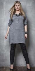 Zhenzi - Lækker pigment dyed tunica/kjole med 3/4 ærmer. smækfyldt med smarte detaljer