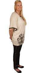 Cassiopeia - Nice thin knit-blouse with little wing sleeve. Light oversize. Nice asian print front and galon in contrast colour on the back