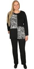 Handberg - Blouse with animal print and nice adorned round neckline