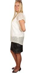 Cassiopeia - Blonde bluse med korte vingeærmer og lynlås i nakken