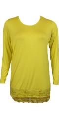 Zhenzi - Langærmet t-shirt/underkjole med blondekant. rund hals