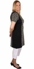 Cassiopeia - Tunika / kjole med flot print, rund hals, lynlås i nakken og korte ærmer