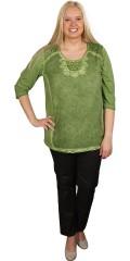 Cassiopeia - Sød bluse med 1/2 ærmer og flot blonde ved hals og på skuldre.