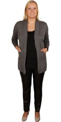 Cassiopeia - Cardigan in soft knit with long sleeves and long ribs. Collar is also in wide rib. Big good pockets