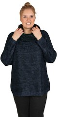 Zhenzi - Soft knit pullover with v cutting. Nice tone in tone marine blue and black