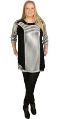 Nais - Stylish tunica with 3/4 sleeves in smart black white colours and fields