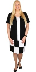 Studio - Super smart dress with diamonds front, round neck and short sleeves