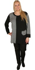 Q´neel - Nice tunica with fields in black and diamonds. Long sleeves, round neck and sweet pocket
