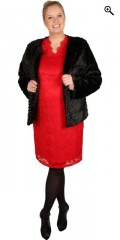 Veto - Fake fur jacket with lining. Is closed with a clasp in the neck