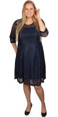 Zizzi - Spets klänning med 3/4 ärmar