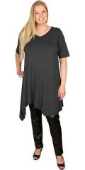 Que (Godske Group) - Tunika klänning med 1/2 ärmar och v-hals, avslutas asymetrisk