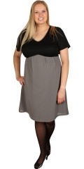 Juna Rose (Bestseller) - Enkelt kjole med v-hals og kort ærmer