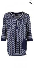 Nais - Bluse med 3/4 ærmer og stolpelukning.