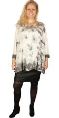 Que (Godske Group) - Que top in a-shaped with 3/4 sleeves with front piece in printed chiffon, viscose-top supplied