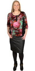 CISO (Brandtex) - Blouse in nice pattern front and back, with black galonger in the sides