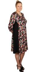 Kanok - Perta kjole i a-facon med 3/4 ærmer og slankende sorte galoner