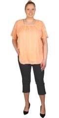 Zhenzi - Bluse med korte vinge ærmer og fast syet for