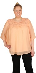 Zhenzi - Blouse with round neck and nice wing sleeves and hard sewn front