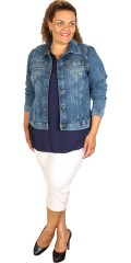 Zizzi - Kort slank fit dongeri jakke med 2 brystlommer og smart snitt samt strekk