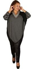 One More (Handberg) - Poncho with v cutting and long sleeves, in super smart pattern