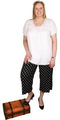 Zhenzi - Stumpe bukser med god vidde i benene og elastik i ryggen
