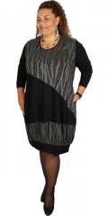 Nais - Klänning med långa ärmar och 2 sned fickor och nät påydd