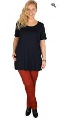 DNY (Marc Lauge) - Mary lang t-shirt med god vidde og korte ærmer samt slids i begge sider