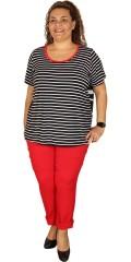 One More - Viskose genser med korte ermer, striper foran og fine strikk med striper samt knapper bak
