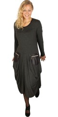 Q´neel - Q-neel klänning med långa ärmar, med look a liknande päls vid hals och fickor