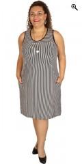 Studio - Smart stribet kjole uden ærmer og med 2 skrå lommer