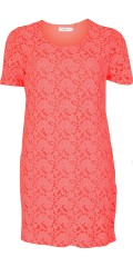 DNY - Saga lace dress with hard sewn lining and short sleeves