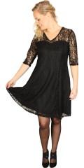 Zizzi - Spets klänning med 3/4 ärmar och fast påsydd foder
