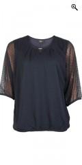 Zhenzi - Chiffon bluse med 3/4 ærmer og smykke i halsen