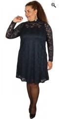 Zhenzi - Fjernlager 0417 spetsklänning med långa ärmar och kinakrage som knappes i nacken
