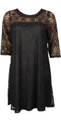 Zhenzi - Vacker spetsklänning med 3/4 ärmar