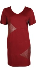 Studio - Dress in strechy material with smart fields in imitation leather
