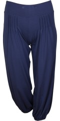 Q´neel - Casual pants with nice pleat. Wide band with rubber band and also elastic closure at the bottom in the legs