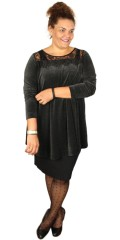 Que - Nice velours tunica with lace stay, sewn in a-shaped