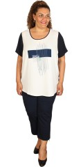 One More (Handberg) - Super flot t-shirt med korte ærmer og print på forstykket