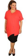 Handberg - T-shirt med v-hals og en lomme, i asymetrisk længde