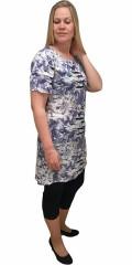 Cassiopeia - Wiola klänning med kort ärm och slitsar i nacken