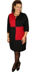 Studio - Ellie 3/4 the sleeve dress in rib with round neck with little slit