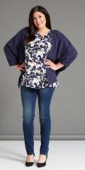 Studio - Tunika bluse med 3/4 ærmer og v-hals med pynte knapper