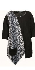 Handberg - Blouse with leopard print, v cutting and 3/4 sleeves