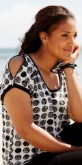 Handberg - T-shirt bluse med korte ærmer og smart lynlås over skulderne som man kan lyne op