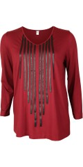 Que - Strechy blouse/t-shirt with v cutting. Stripes in imitation fur sewed on front piece