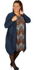 Kirsten Krog Design - Vacker kardigan med  spets i forsidan och med asymetrisk längd