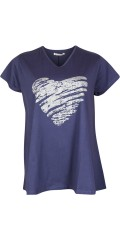 Studio - T-shirt with v cutting and heart print front and in a-shaped